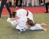 Begegnung zwischen Kim Chi Wiesbaden und der HTG Bad Homburg. Sabrina Meißner siegt vorzeitig durch Haltegriff nach einem misßglückten Wurfansatz.