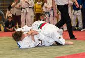 Finalbegegnung zwischen Kim Chi Wiesbaden und dem JC Rüsselsheim. Stavros Papadamkis wird mit Juji-gatame abgehebelt.