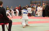Lea Daniel gewinnt ebenfalls ihre beiden Kämpfe und holt sich die Goldmedaille. Zwischenzeitlich gerät Lea in ihrem zweiten Kampf mit einem Waza-ari in Rückstand.