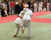 Soufian Idrissi hat in seiner Gewichtsklasse nur einen Gegner. Obwohl sein Gegner etwas grösser ist, währt der Kampf nicht lange und Soufian siegt mit einem Ippon.