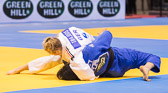 Vorrundenkampf -63 kg: Martyna Trajdos (GER) - Meerim Momunova (KGZ): Osae-komi