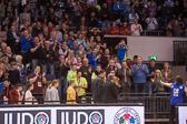 Nach einer beispiellosen Karriere wurde Andreas Tölzer im Rahmen des Judo-Grand-Prix in Düsseldorf aus dem Nationalkader verabschiedet. Stadionrunde, vorbei am Bürstädter Fanblock.