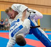 6. Kampf.  (Stand 3-2) Florian Siegler -90 kg: