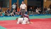 6. Kampf.  (Stand 1-3) Michael Radig -90 kg: Michael wird mit einem Juji-gatame abgehebelt.