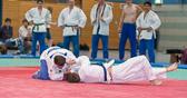 3. Kampf.  (Stand 0-2)  Mirco Dudyka - Klemens Timm (-73): Durch einen tiefen Seoi-nage geht Klemens mit Waza-ari in Führung.