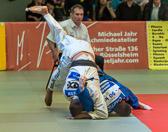 7. Kampf Stand: 3-3 Rene Kirsten - Eduard Trippel -90 kg: Eduard geht mit Waza-ari in Führung.